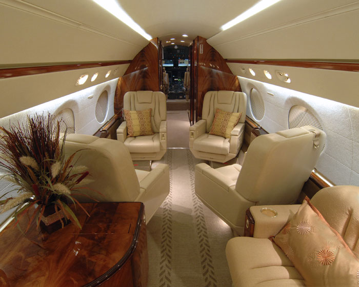 Gulfstream seating and Interior of the Charter Jet